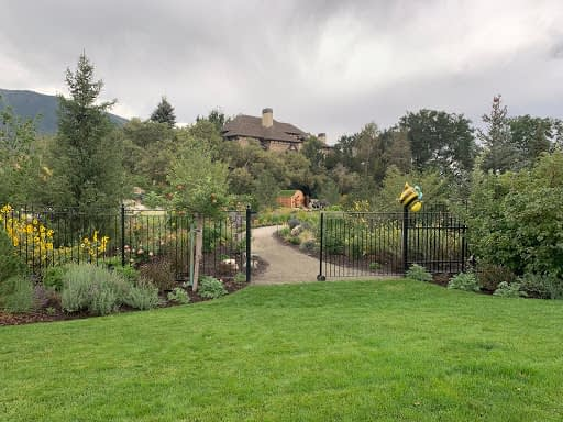 Grand garden entrance at one of the gardens that was part of the 2019 GardenComm garden tours